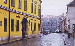 Живописный фасад на улице Фортуны в Старом городе