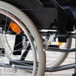 Петербургским чиновникам предложат пересесть в инвалидные кресла