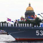 Появилось видео столкновения катера с мостом во время парада в день МВФ в Петербурге