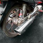 В Гатчине мотоциклист врезался в дерево и погиб